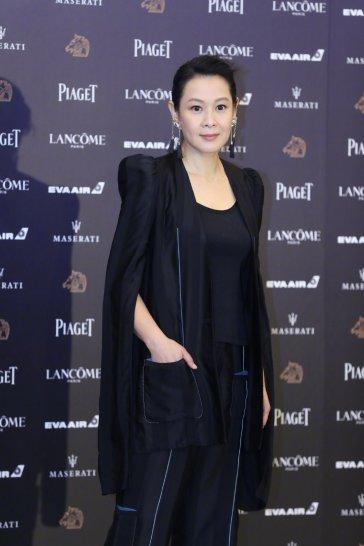 Rene Liu in Loewe Fall 2018-4