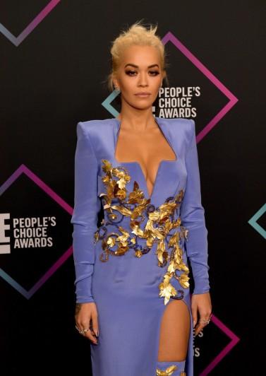 Rita Ora in Atelier Versace Fall 2018 Couture-2
