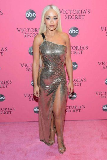 Rita Ora in Versace Spring 2018