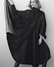 Sasha Pivovarova Vogue Italia November 2018-5