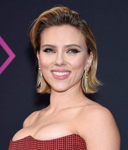 Scarlett Johansson in Versace Resort 2019-4