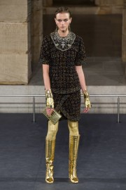 Chanel Pre-Fall 2019 Look 16