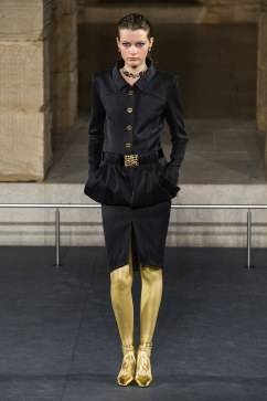 Chanel Pre-Fall 2019 Look 18