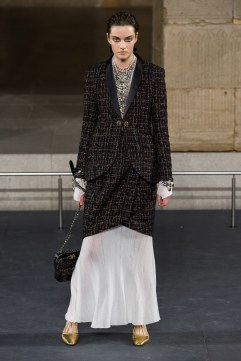 Chanel Pre-Fall 2019 Look 19