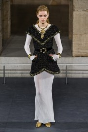Chanel Pre-Fall 2019 Look 22