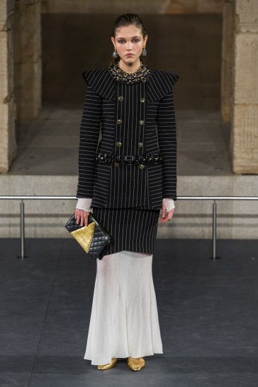 Chanel Pre-Fall 2019 Look 26