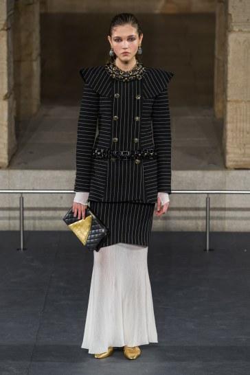 Chanel Pre-Fall 2019 Look 26