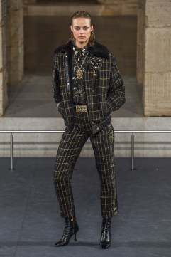 Chanel Pre-Fall 2019 Look 33