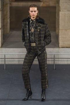 Chanel Pre-Fall 2019 Look 33
