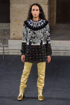 Chanel Pre-Fall 2019 Look 45