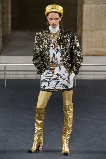 Chanel Pre-Fall 2019 Look 64