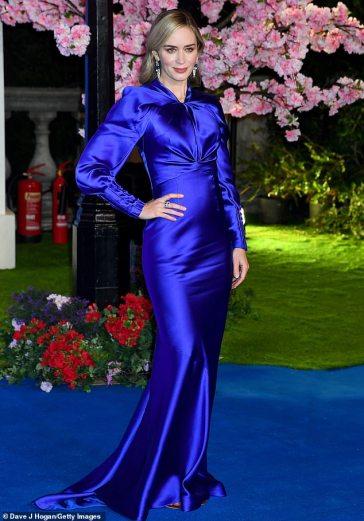 Emily Blunt in Schiaparelli Fall 2018 Couture-2