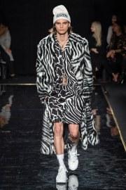 Versace Pre-Fall 2019 Look 23