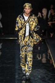 Versace Pre-Fall 2019 Look 8