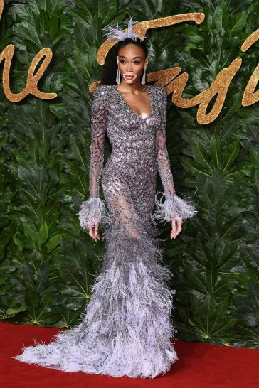 Winnie Harlow in Atelier Versace Fall 2018 Couture-2