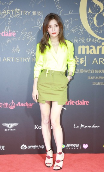 Zhao Wei in Off-White Spring 2019-2