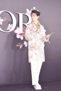 Ezra Miller in Dior Men Spring 2019-2