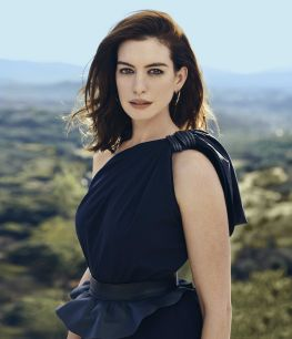 anne hathaway town & country february 2019-3