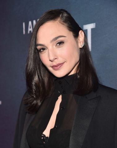gal gadot in saint laurent spring 2019-3