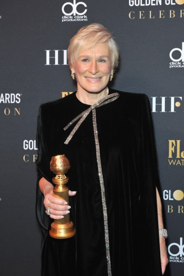 glenn close in armani prive-6