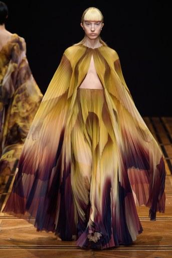 iris van herpen spring 2019 couture look 11