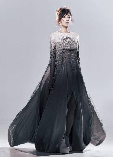 sandy lam in iris van herpen spring 2018 couture-1