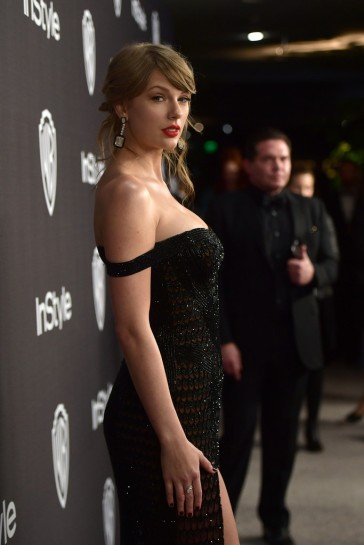 taylor swift in atelier versace-7