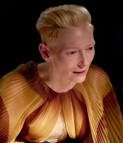 tilda swinton in iris van herpen spring 2019 couture-4