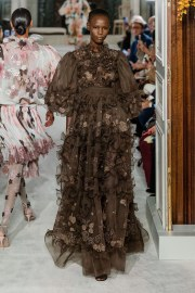 valentino spring 2019 couture look 15