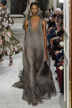 valentino spring 2019 couture look 18