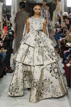valentino spring 2019 couture look 19