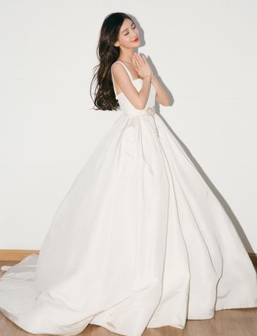 Angelababy in Reem Acra Bridal Spring 2019-3