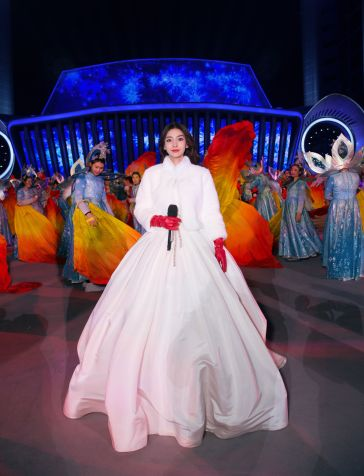 Angelababy in Reem Acra Bridal Spring 2019-4