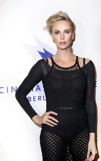 Charlize Theron in Dior Spring 2019-4