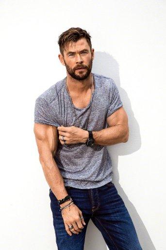 Chris Hemsworth Men's Health Australia March 2019-10