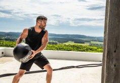 Chris Hemsworth Men's Health Australia March 2019-7