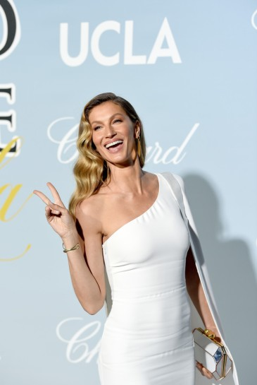 Gisele Bündchen in Stella McCartney-5