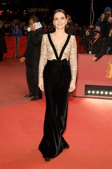 Juliette Binoche in Armani Privé Fall 2018 Couture-2