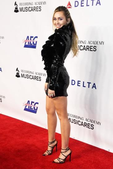 Miley Cyrus in Francesco Scognamiglio Spring 2019 Couture-7