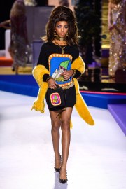 Moschino Fall 2019 Look 47