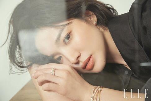 Song Hye-kyo ELLE Korea March 2019-1