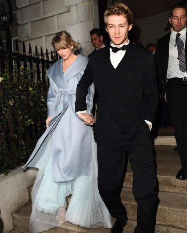 Taylor Swift in Stella McCartney and Max Mara-1