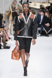 Tod's Fall 2019 Look 11
