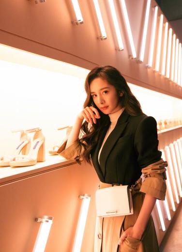 Yang Mi in Alexander McQueen Resort 2019-4