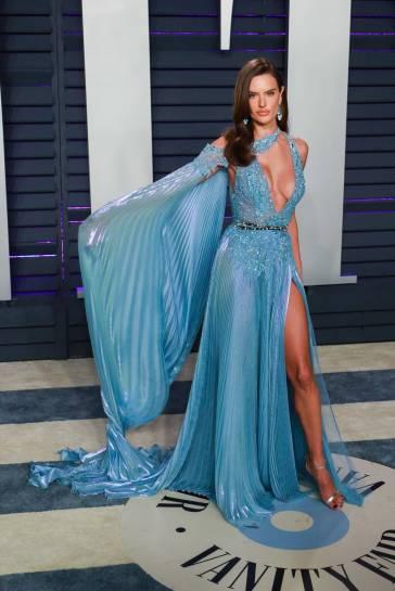 Alessandra Ambrosio in Zuhair Murad Spring 2019 Couture-5