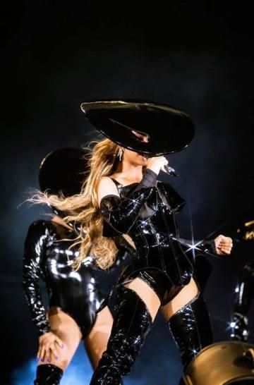 Beyoncé X Mugler-13