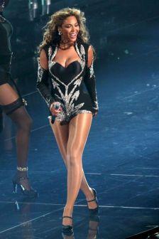 Beyoncé X Mugler-8