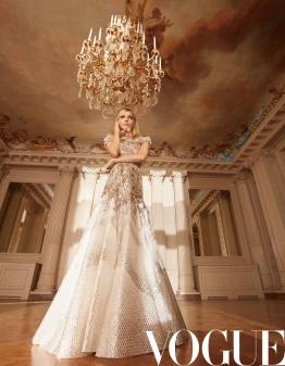 Claudia Schiffer & Sasha Pivovarova & Grace Elizabeth X Vogue China May 2019-7