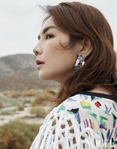 Ella Chen for Vogue Taiwan March 2019-5
