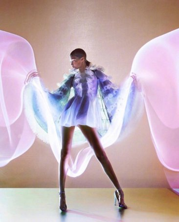 Gigi Hadid & Fei Fei Sun for Vogue Hong Kong March 2019-4